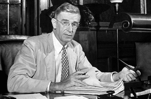 1945-Vannevar-Bush-TIME